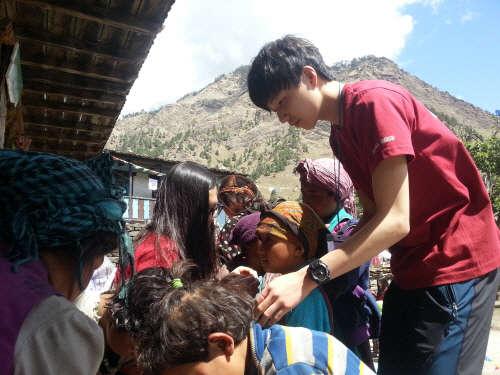 NLCS Jeju 학생들, 봉사활동으로 연 맺은 네팔에 지진 피해 복구 성금 기부